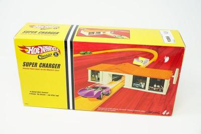 HOT WHEELS CLASSICS SUPERCHARGER IN FACTORY SEALED BOX