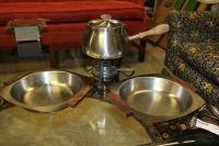 VINTAGE RETRO MID-CENTURY MODERN FONDUE POT WITH 2 STAINLESS STEEL SERVING BOWLS WITH WOODEN HANDLES