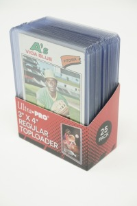 1977 TOPPS BASEBALL CARDS IN HARD PLASTIC COVERS