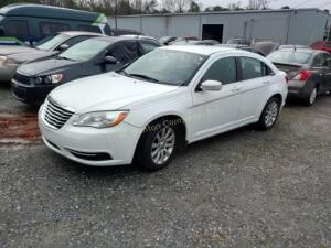 2012 Chrysler 200 Sedan Touring V6, 3.6L