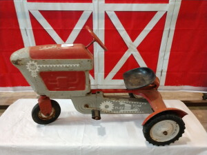 PEDAL TRACTOR BELIEVED  TO BE 50'S OR 60'S ERA. STEERING AND PEDAL WORK