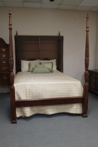 VINTAGE QUEEN SIZE RICE CARVED POSTER BED