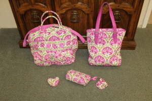 LOT OF FIVE PIECES OF VERA BRADLEY BAGS