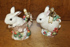 LOT OF 2 FITZ & FLOYD HAND-PAINTED CLASSICS BUNNY CREAMER AND SUGAR BOWL
