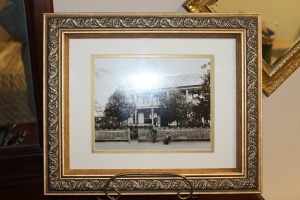 NICELY FRAMED ANTIQUE PHOTOGRAPH