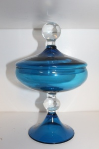 BEAUTIFUL BLUE GLASS COVERED PEDESTAL DISH