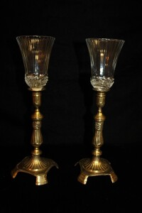 PAIR OF VINTAGE BRASS CANDLESTICK HOLDERS WITH CLEAR GLASS GLOBES