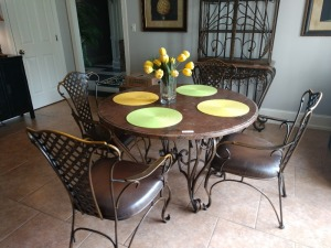 BEAUTIFUL BREAKFAST TABLE WITH 4 CHAIRS,ALL METAL FRAME CONSTRUCTION WITH VERY NICE COMPOSITE TOP, TOP OF THE LINE QUALITY AND CONSTRUCTION.
