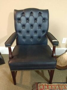 VERY NICE UPHOLSTERY BUTTON BACK OFFICE CHAIR.
