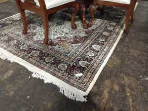 VERY NICE 6 BY 9 ROOM RUG