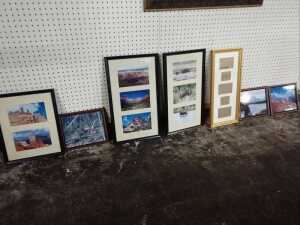 MISCELLANEOUS GROUP OF VARIOUS SIZE FRAMES THAT INCLUDE PICTURES OF FAMILY TRAVEL, INCLUDES 8 BY 10 FRAMES AND MORE