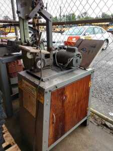 BUS SHOP, ROCKWELL BELT SANDER MODEL 34352, CONDITION UNKNOWN, SELLER STATES POWERS UP