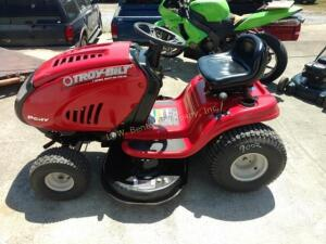 Troy Bilt 7 Speed Riding Mower