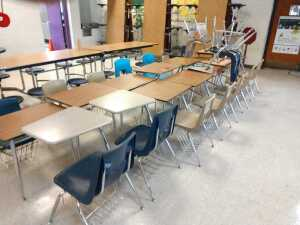 lunch room.GROUP LOT OF 15 VARIOUS-SIZED DESKS