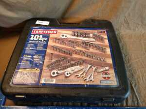 CRAFTSMAN MECHANIC'S TOOL SET, 101 PIECE, MISSING APPROXIMATELY 4 SMALL SOCKETS IN 1 WRENCH