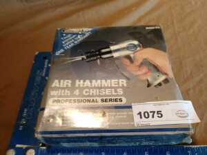 MECHANICS AIR HAMMER WITH FOR CHISELS, STILL IN ORIGINAL PACKAGE