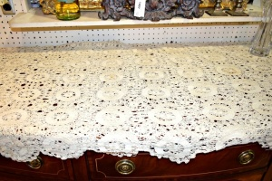ANTIQUE HANDMADE LACE TABLE CLOTH 64 X 80
