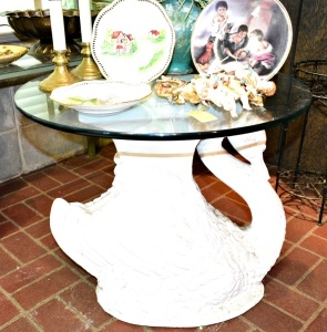 ELEGANT SWAN TABLE WITH GLASS TOP (ITEMS ON TOP NOT INCLUDED)