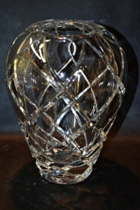 VERY HEAVY FINE LEAD CRYSTAL VASE (MATCHES STEMS)
