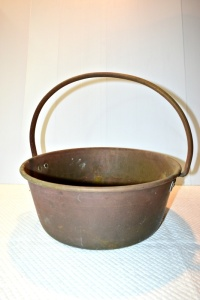 ANTIQUE SOLID COPPER POT 13""