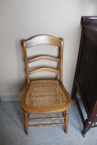 VINTAGE CANE BOTTOM SIDE CHAIR