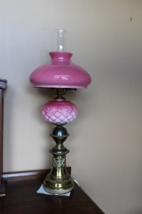ANTIQUE PINK MILK GLASS KEROSENE LAMP CONVERTED TO ELECTRICITY