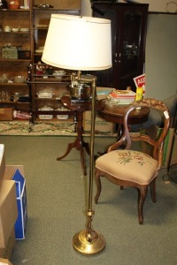 BRASS FLOOR LAMP WITH ADJUSTABLE ARM