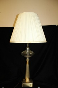 VINTAGE CUT GLASS TABLE LAMP