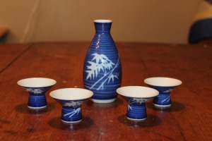 BLUE AND WHITE SAKE SET