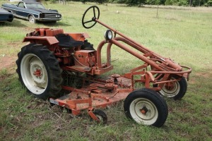 G STYLE TRACTOR WITH MOWER DECK & ONAN AIR COOLED ENGINE