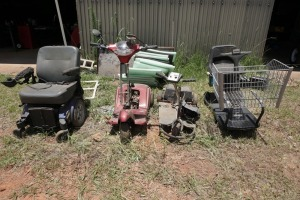 SET OF FOUR RIDING CARTS, BEING SOLD PARTS ONLY