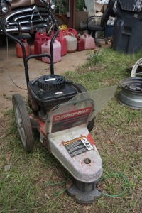 BRIGGS & STRATTON 22 IN STRING TRIMMER, CONDITION UNKNOWN, ENGINE NOT LOCKED UP
