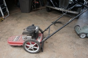 TROY-BILT 22IN STRING TRIMMER, CONDITION UNKNOWN, NOT LOCKED UP