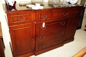 NICE WOOD BUFFET / SIDEBOARD - DIN