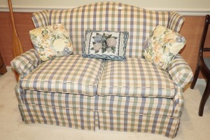 CLEAN PLAID UPHOLSTERED LOVESEAT - LIV