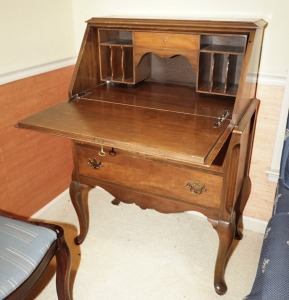 VINTAGE SECRETARY CABINET WITH CABRIOLE LEGS - LIV