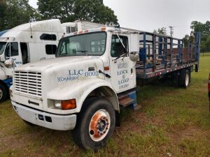 2001 INTERNATIONAL FLAT BED TRUCK