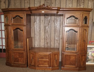 LARGE ADJUSTABLE WIDTH LIGHTED ENTERTAINMENT CENTER