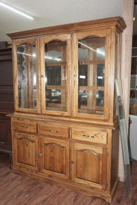 VINTAGE CHINA CABINET WITH MIRRORED BACK HUTCH AND GLASS SHELVES