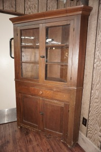VERY EARLY ANTIQUE CORNER CABINET