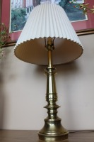 VINTAGE BRASS TABLE LAMP - 3