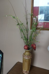VASE WITH ARTIFICIAL FLOWER ARRANGEMENT