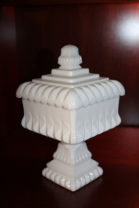 VINTAGE MILK GLASS PEDESTAL COVERED CANDY DISH