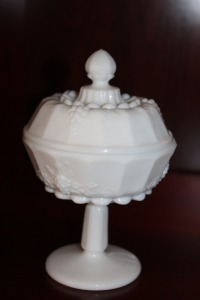 VINTAGE MILK GLASS PEDESTAL CANDY DISH