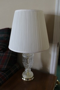 VINTAGE CRYSTAL GLASS LAMP