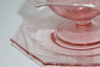 THREE PIECES OF VINTAGE PINK DEPRESSION GLASS - 4