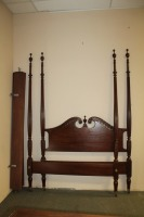 ANTIQUE QUEEN SIZE 4 POSTER BED - 2