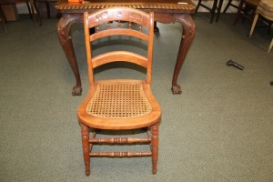 VINTAGE TURNED SPINDLE LEG CANE BOTTOM CHAIR