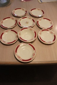 LOT OF 9 PIECES OF HOMER LAUGHLIN DISHES