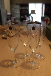LOT OF 4 CRYSTAL CHAMPAGNE FLUTES FROM THE YEAR 2000